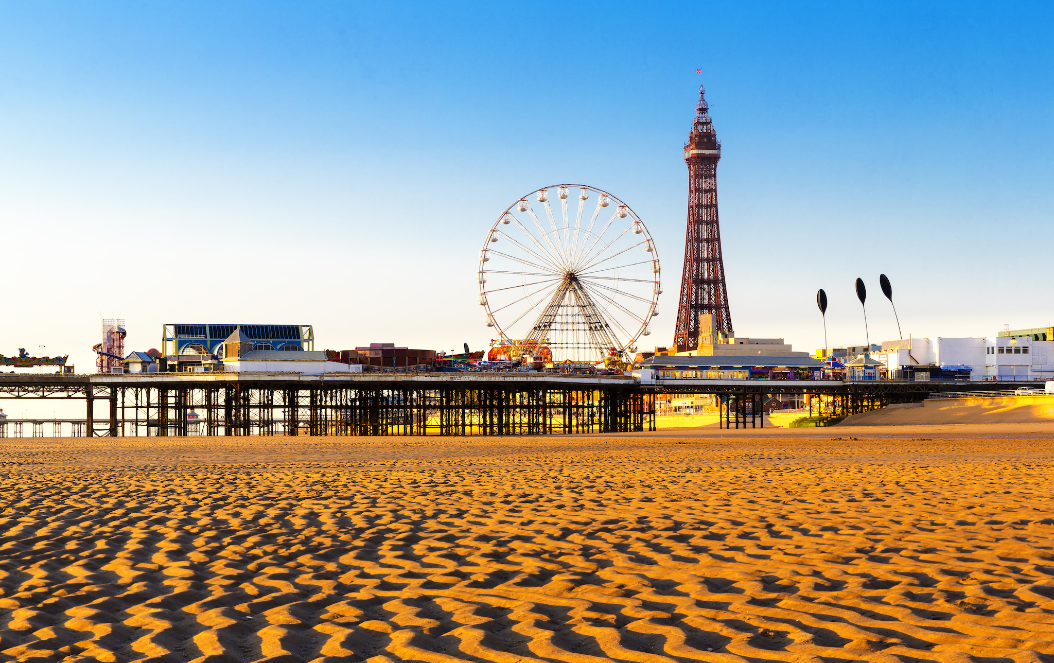 Blackpool Pier photo with beach and tower